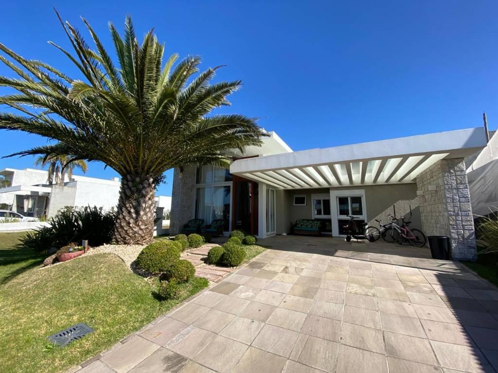 Casa em Condomínio 3 dormitórios para venda, DUBAI RESORT em Capão da Canoa   Ref.: 1524